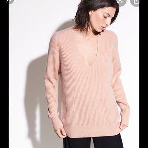 Vince light pink cashmere will blend sweater